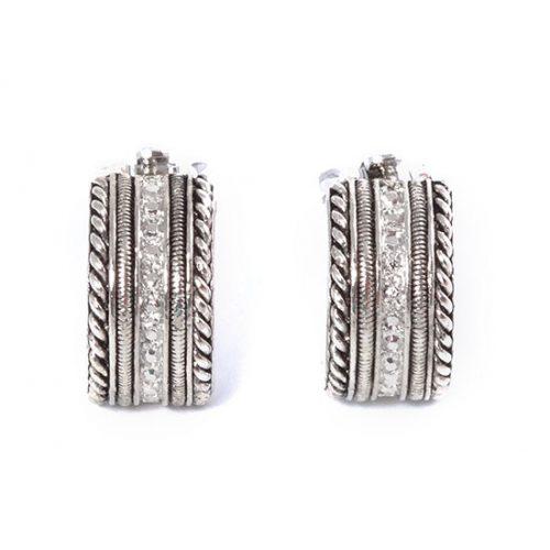 Oorclips zilverkleurige creolen van Toenga