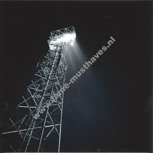 tegel met lichtmast voetbalstadion adelaarshorst