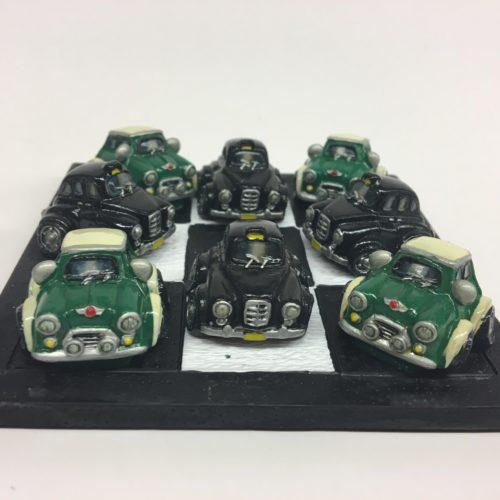Spelletje boter kaas en eieren met autos groen en zwart