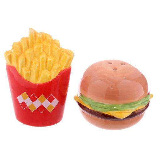 Peper en zoutstel fastfood hamburger en patat