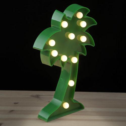Groene palmboom met LED verlichting