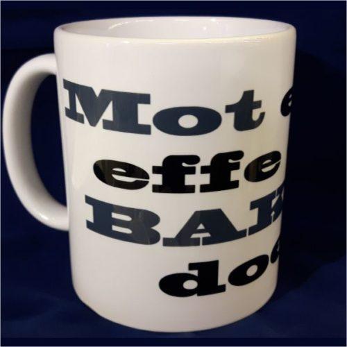 Witte koffiemok Mot eerst effe een bakkie doen