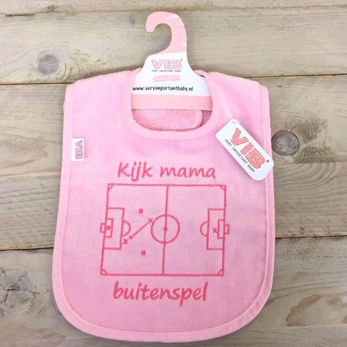Slabbetje VIB voetbal kijk mama buitenspel in roze