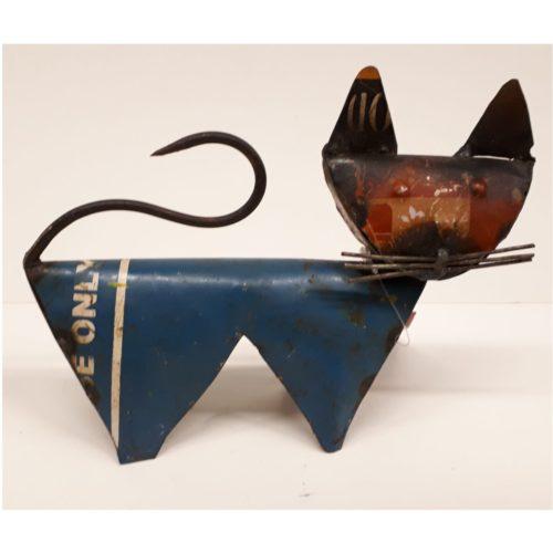 Fairtrade beeldje kat klein gemaakt van gerecyclede oliedrums