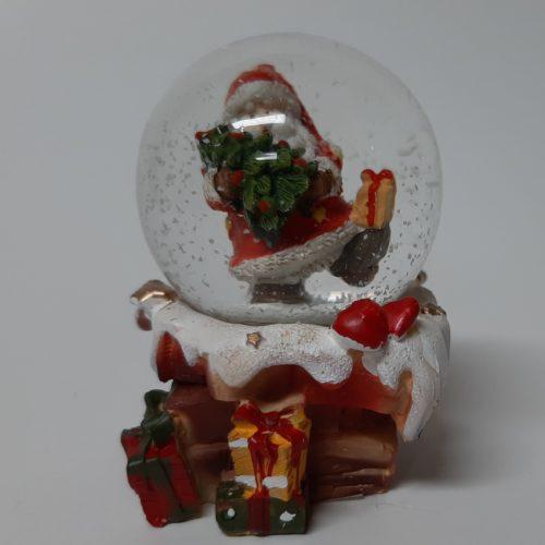 Sneeuwbol schoorsteen kerstman met kerstboom