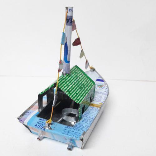 Fairtrade blikken bootje stoomboot met vlaggetjes klein