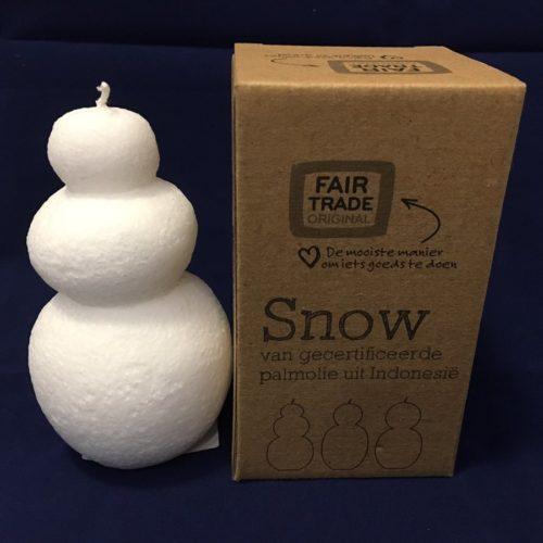 Fairtrade kaars winter sneeuwman 3 bollen uit Indonesië