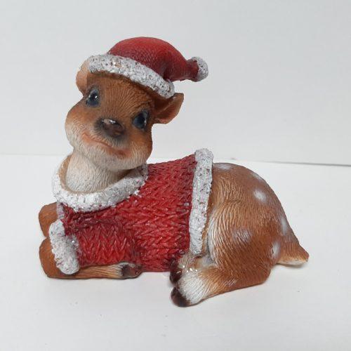 Kerst beeldje rendier Bambi met muts liggend met kop links