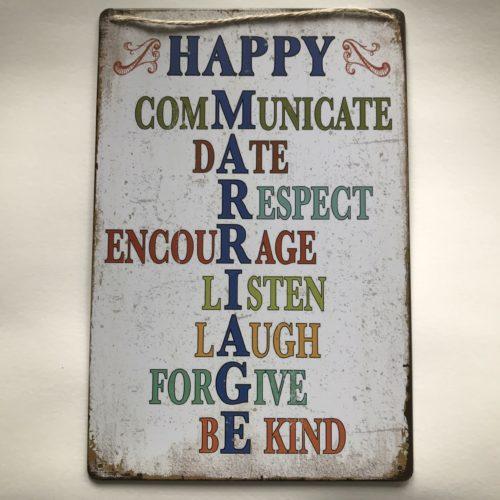 Metalen tekstbord Happy Marriage voor bij huwelijk of bruiloft