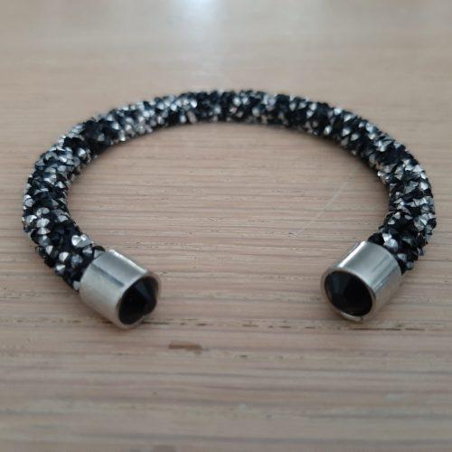 Enkele Maxima stijl braam armband in zwart met zilver en zwarte kraal