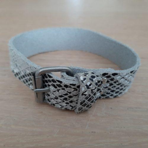 Armband leer slangmotief met gesp in zilverkleur