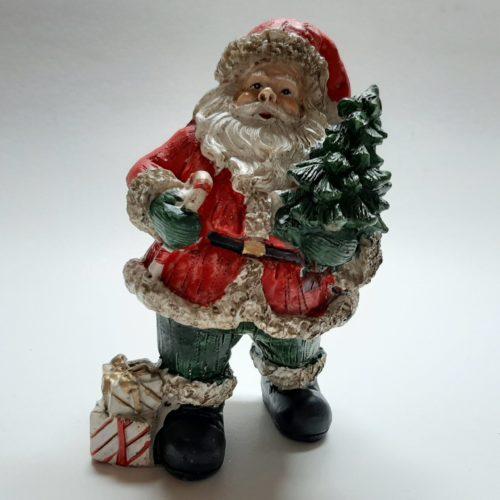 Beeldje kerstman met kerstboom en cadeaus 9cm