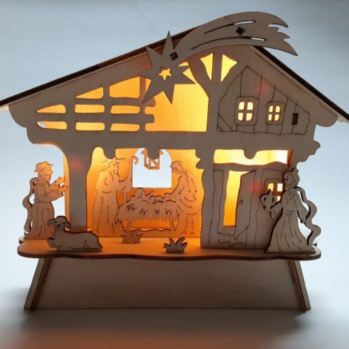 Kerststal houtsnijwerk met verlichting 18cm hoog