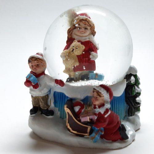 Sneeuwbol kerst winter-kinderen met meisje met beer 9cm hoog