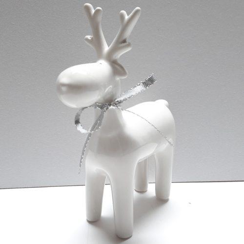 Rendier wit, beeldje van 19 cm hoog van keramiek