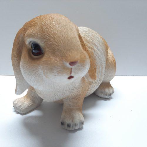Beeldje konijn levensecht in beige-bruin en wit