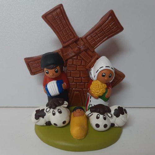 Kleine kerststal Hollandse molen en koeien 10cm
