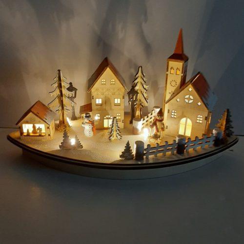 Houtsnijwerk kerst winter dorp met led verlichting